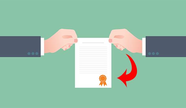 Même si le contrat est fait par email, demandez une version papier à l'entrepreneur en pavage.